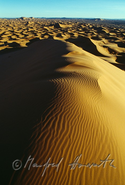 sand dunes at Erg Chebbi